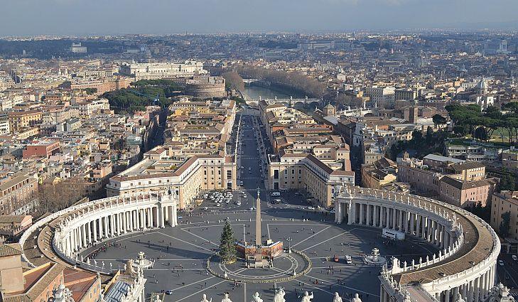 Thành Vatican là đất nước có dân số nhỏ nhất trên toàn thế giới.