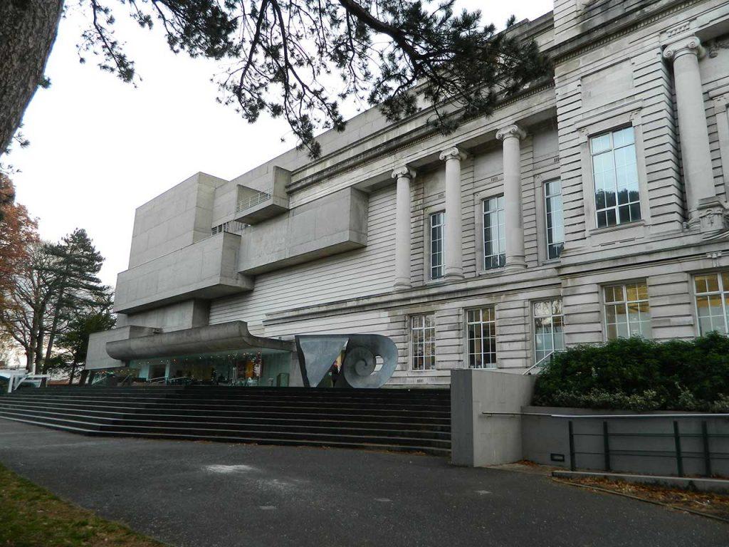 Bảo tàng Ulster nhìn từ bên ngoài
