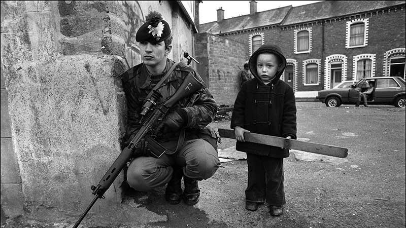 Trẻ em Belfast những năm 80. The Troubles
