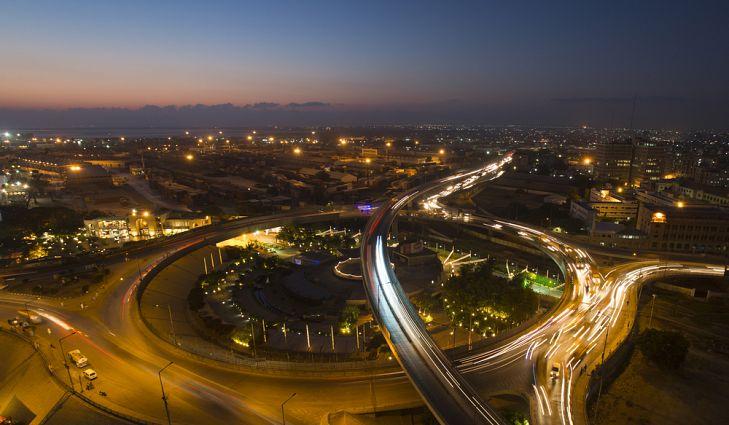 karachi lớn thứ 3 với 18 triệu dân