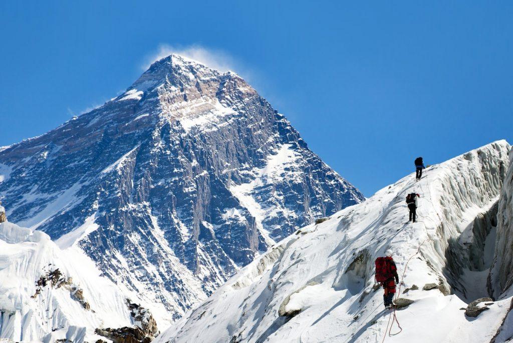 Everest chính là đỉnh núi cao nhất thế giới