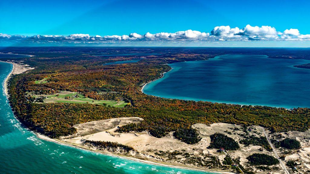 lớn thứ 5 thế giới là hồ Michigan