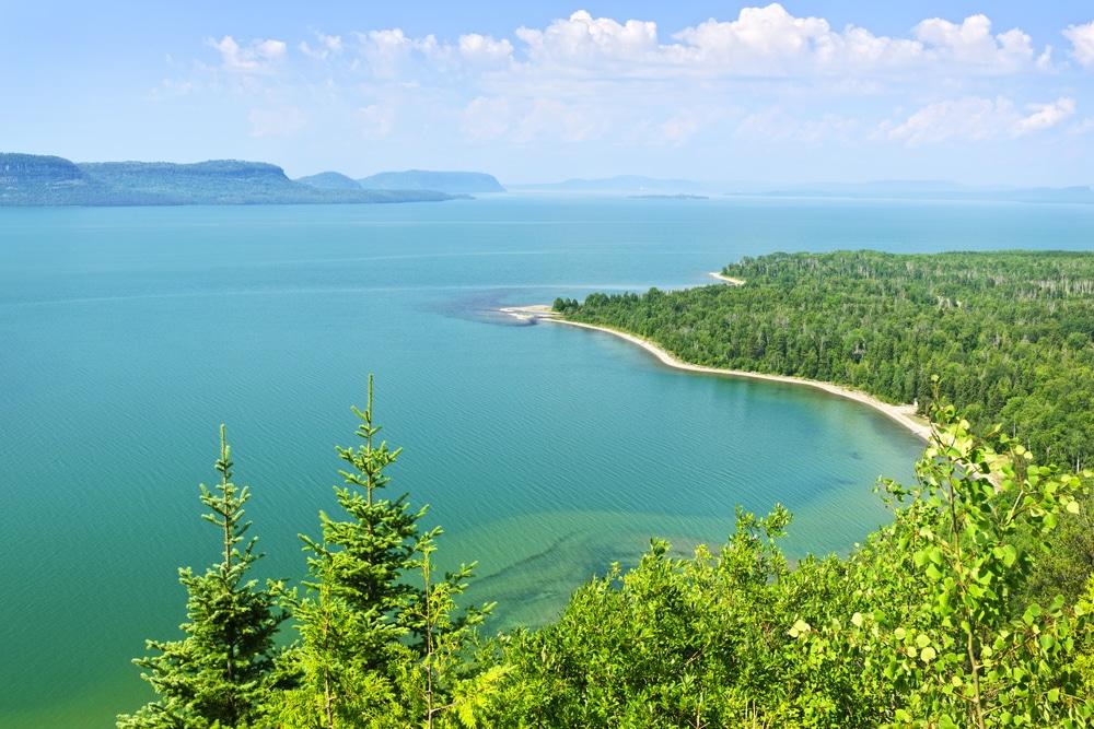 hồ victoria là hồ lớn thứ 3 thế giới