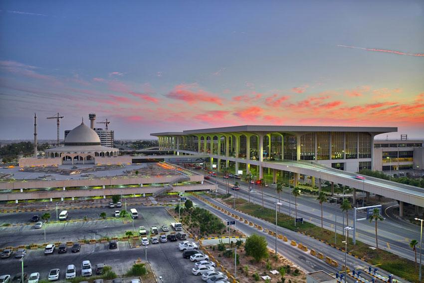 Sân bay quốc tế King Fahd (KFIA) ở Dammam lớn nhất thế giới